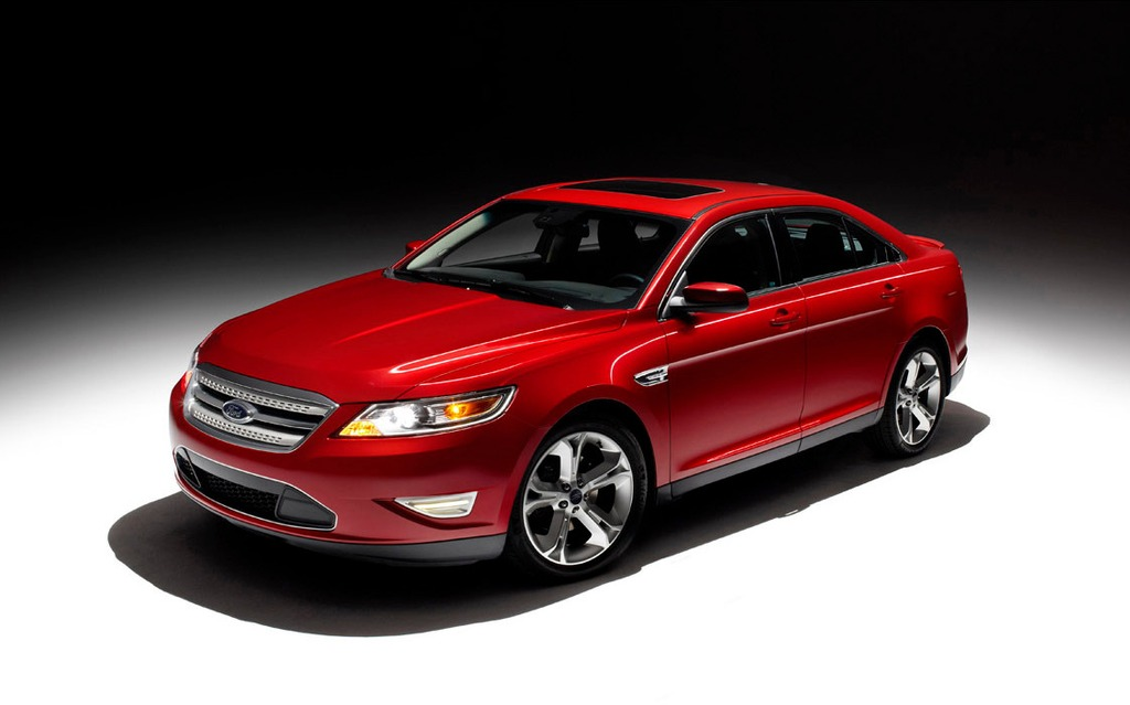The Ford Taurus SHO serves as the basis for the Hennessey MaxBoost 445.