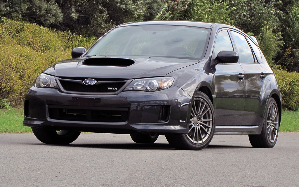subaru wrx 2013 les baroudeuses persistent guide auto. Black Bedroom Furniture Sets. Home Design Ideas