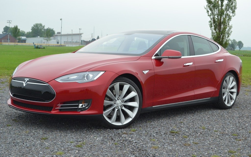 tesla model s 2013 la voiture lectrique sans compromis guide auto. Black Bedroom Furniture Sets. Home Design Ideas