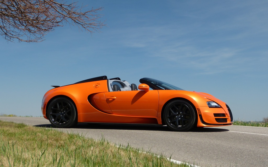 2014 Bugatti Veyron 16.4 Grand Sport Vitesse - It Doesn't Even Have ...