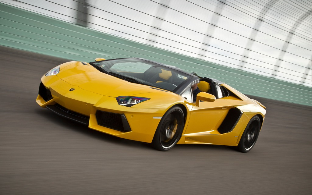 2014 Lamborghini Aventador Top Up Or Top Down The Car Guide