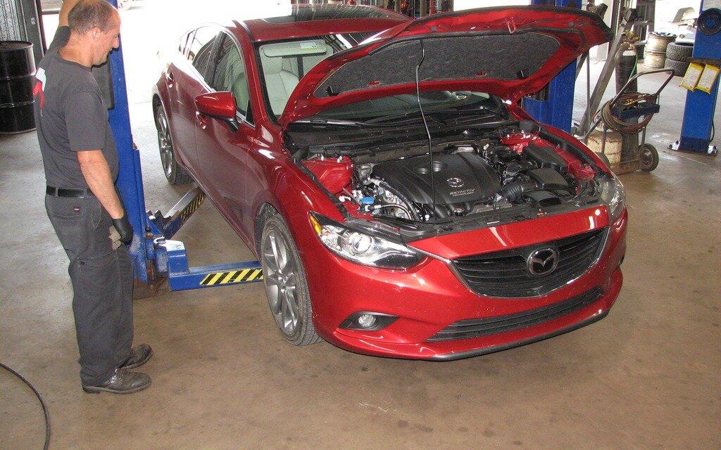Mazda6 la voiture de l 39 ann e du guide 2014 examin e for Garage mazda loison sous lens
