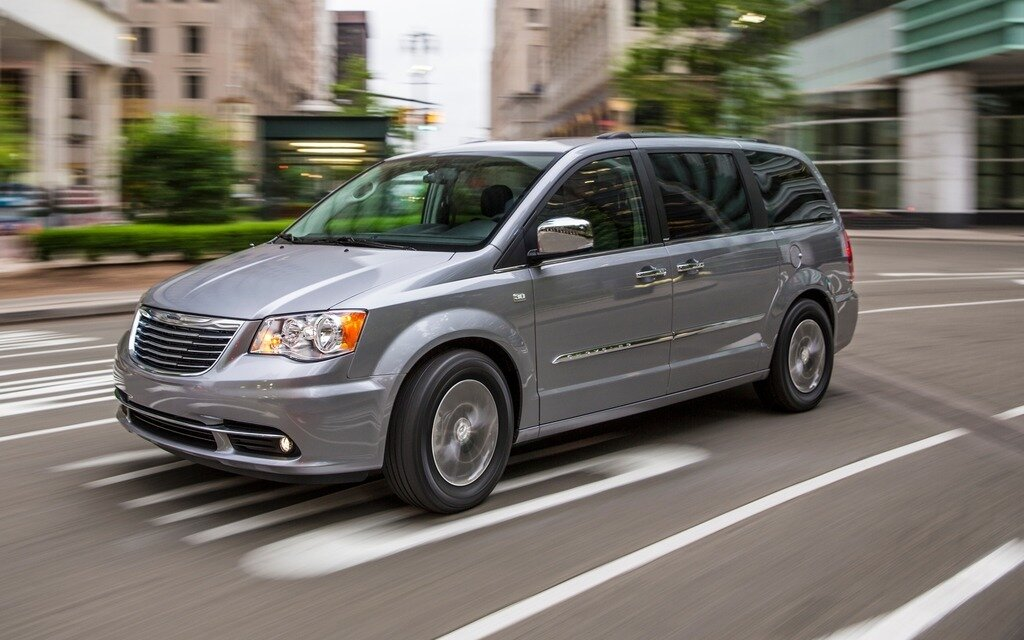 2014 Chrysler Town Amp Country 30th Anniversary Edition 6 7