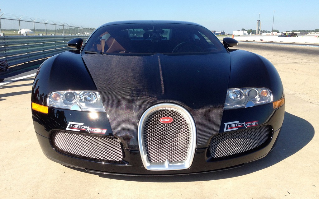 La Bugatti Veyron CR au circuit ICAR