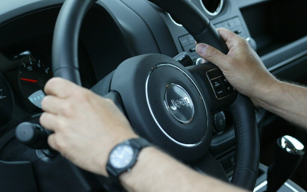 l 39 ontario 1 re province renouveler un permis de conduire en ligne guide auto. Black Bedroom Furniture Sets. Home Design Ideas