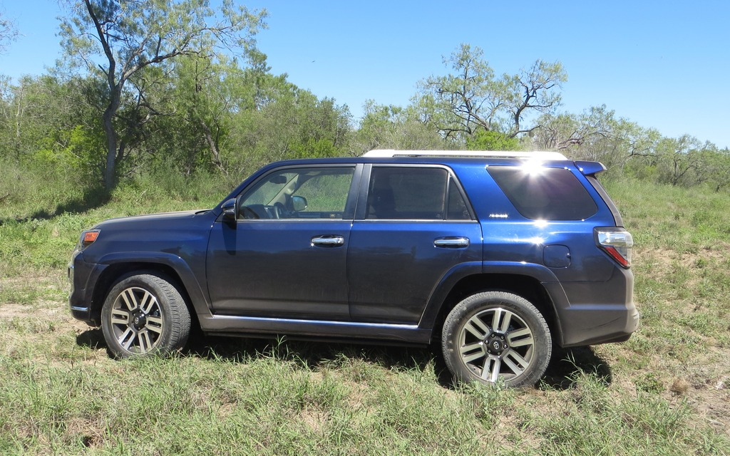 2014 Toyota 4Runner: Keeping The Past Alive And Well - 4/7