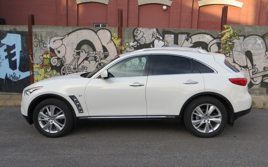 2014 Infiniti Qx70 Dare To Be Different 2 12