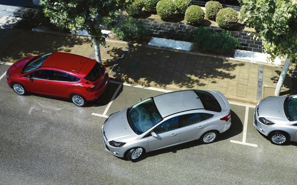 ford focus la voiture la plus vendue dans le monde guide auto. Black Bedroom Furniture Sets. Home Design Ideas
