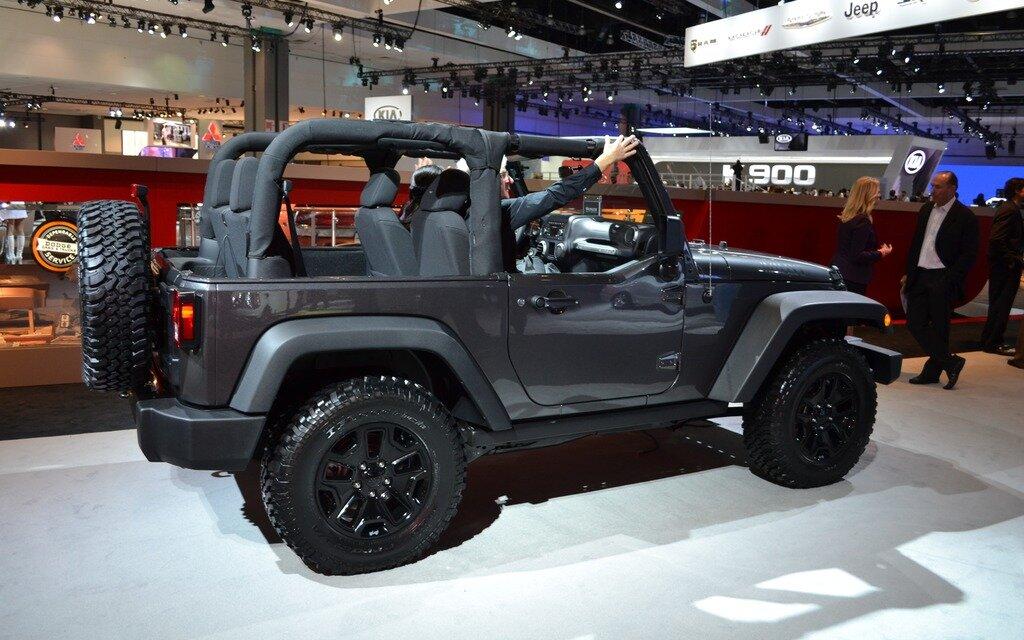 jeep wrangler willys wheeler edition inspir du mod le cj guide auto. Black Bedroom Furniture Sets. Home Design Ideas