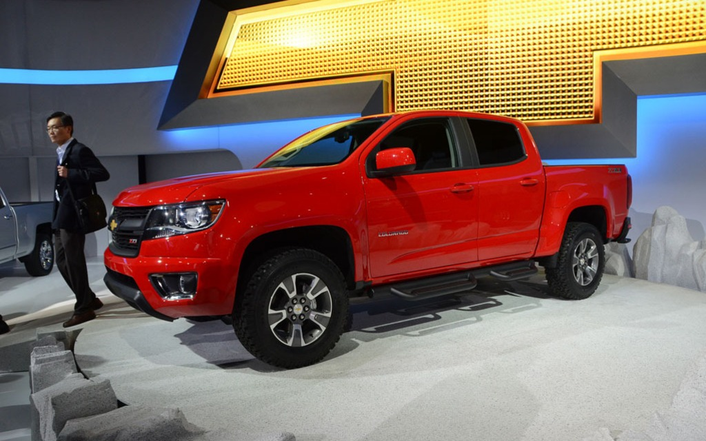 2015 chevy colorado unveiled to the world in los angeles the car guide. Black Bedroom Furniture Sets. Home Design Ideas