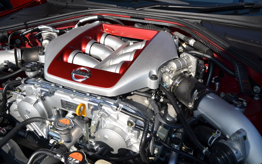 2015 Nissan GT-R and 2016 Nissan GT-R Nismo - The Latest Evolution ...