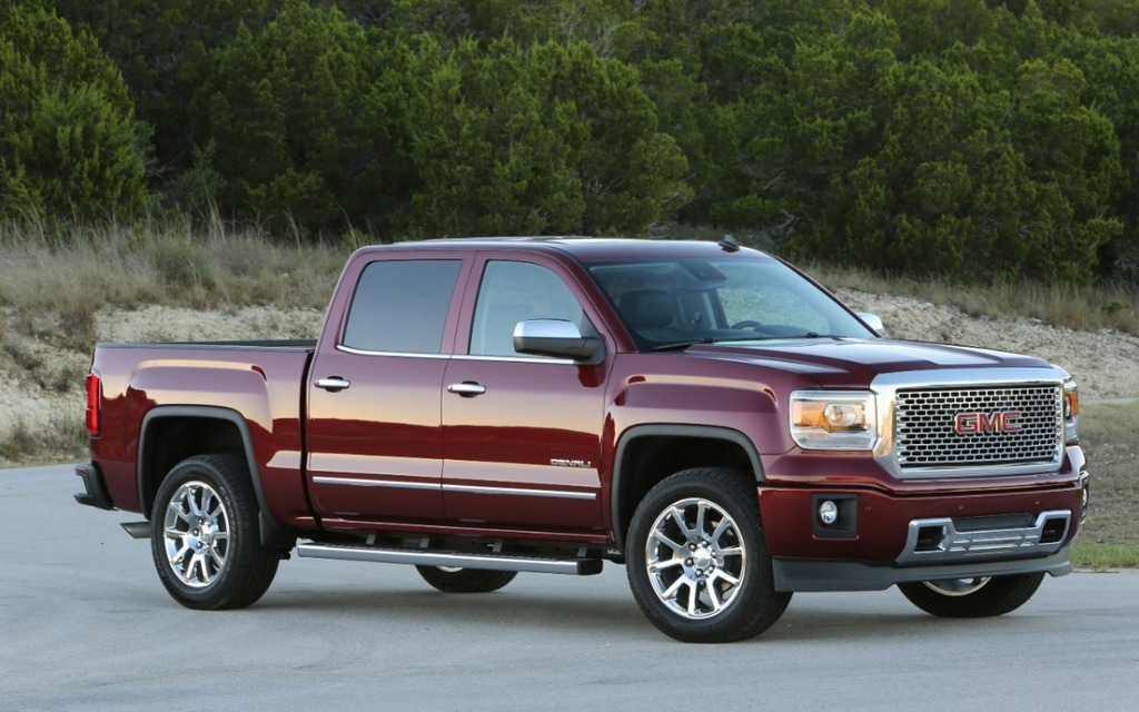 GMC unveils 2015 Sierra Carbon Editions with sport styling, big wheels  (PHOTOS)