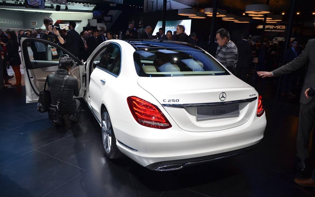 Mercedes Benz Dealers >> 2015 Mercedes-Benz C-Class Unveiled in Detroit - 3/18