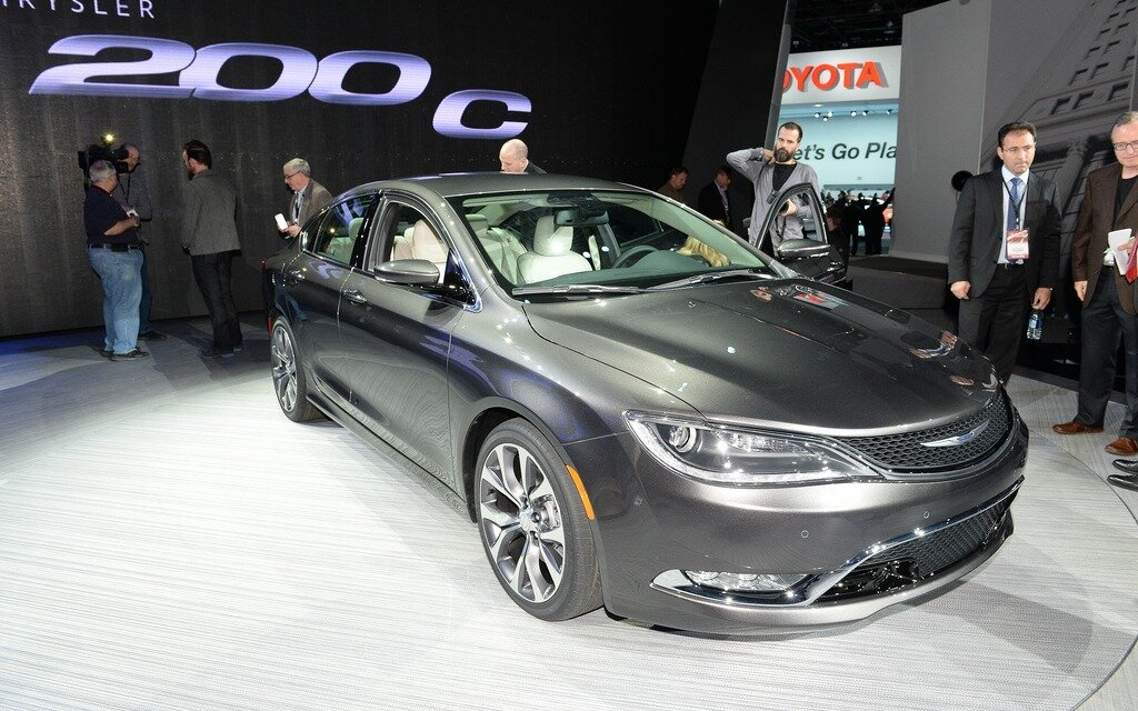 2015 chrysler 200 unveiled the car guide. Black Bedroom Furniture Sets. Home Design Ideas