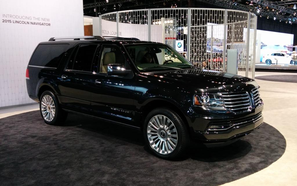 Lincoln Reveals 2015 Navigator Online - 1/8