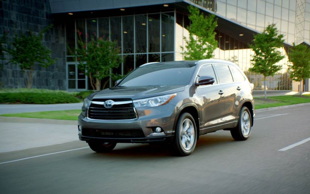 Toyota Tacoma Reviews >> Toyota Unveils the Highlander Hybrid and Tacoma X-Runner - 1/2