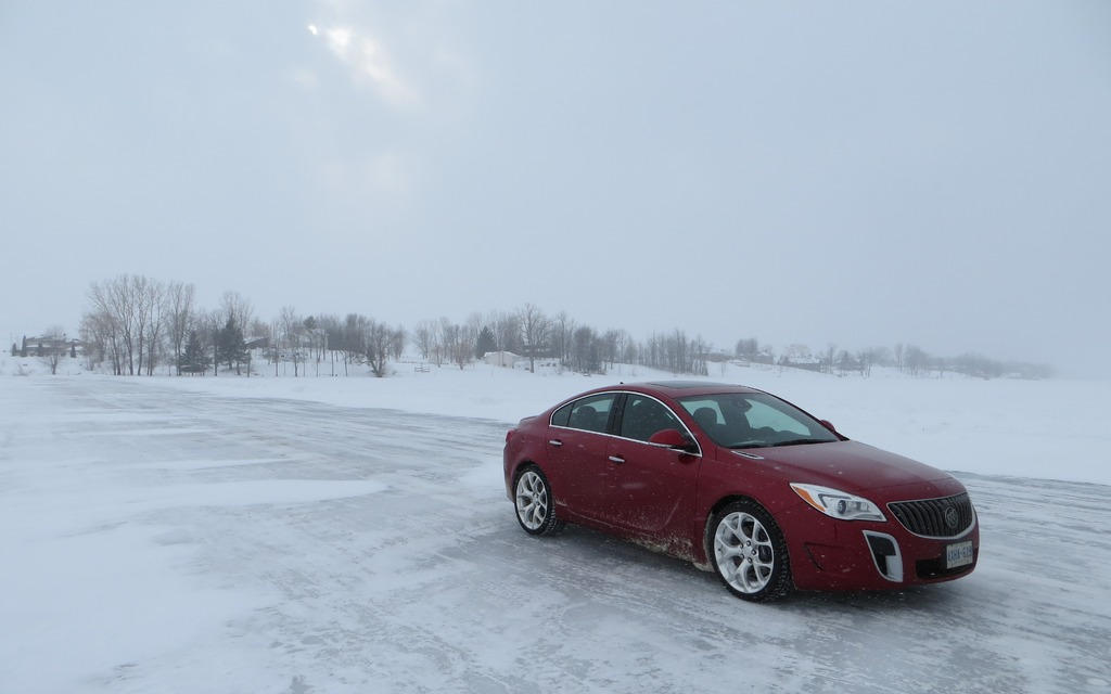 2014 Buick Regal GS AWD: Conquering Winteru0027s Worst