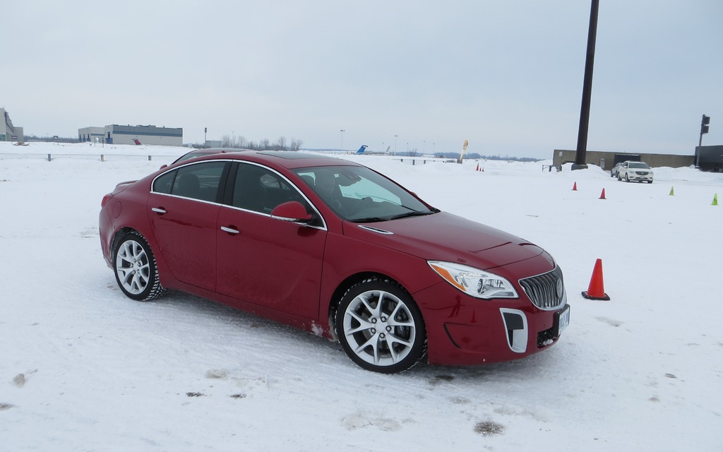 2014 Buick Regal Gs Awd Conquering Winter S Worst 14 15