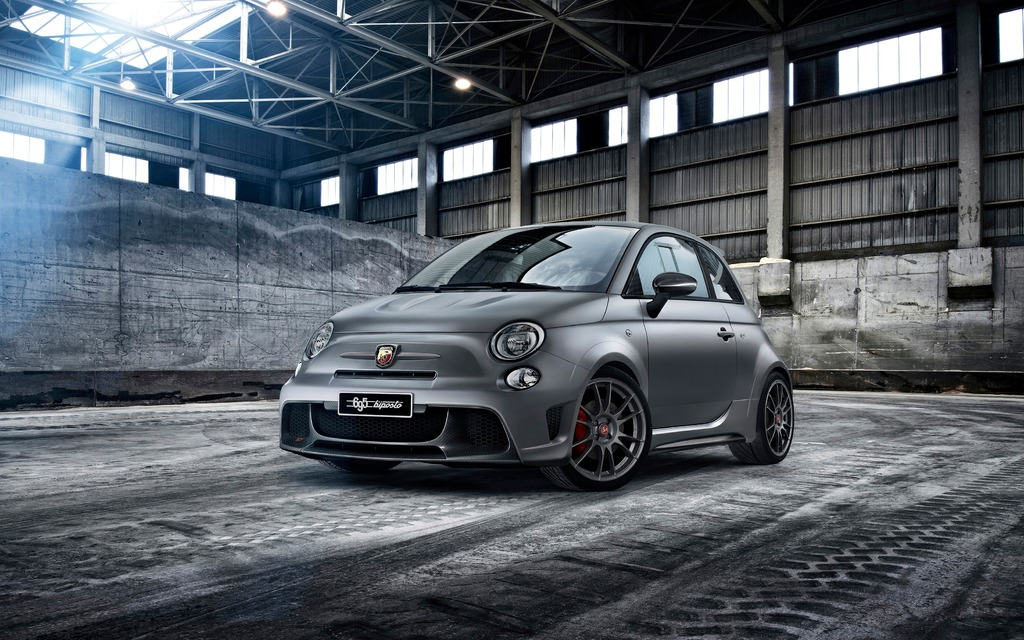 Abarth 695 Biposto A Racing Fiat 500 For The Streets The Car Guide