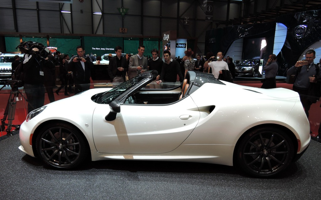 Alfa Romeo 4c Spider Only One Year To Wait The Car Guide