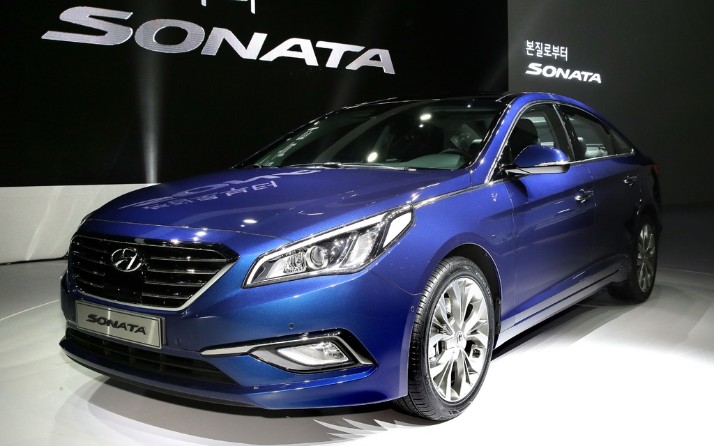 Hyundai Models 2015 >> 2015 Hyundai Sonata Bigger And More Luxurious The Car Guide