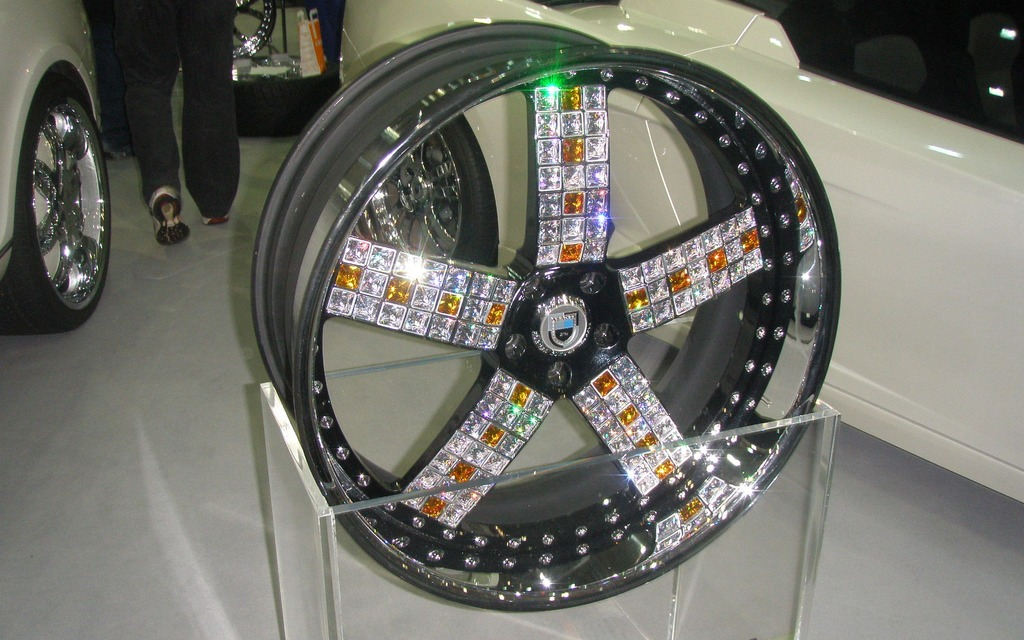 Roue Asanti recouverte de diamants:  1 000 000$