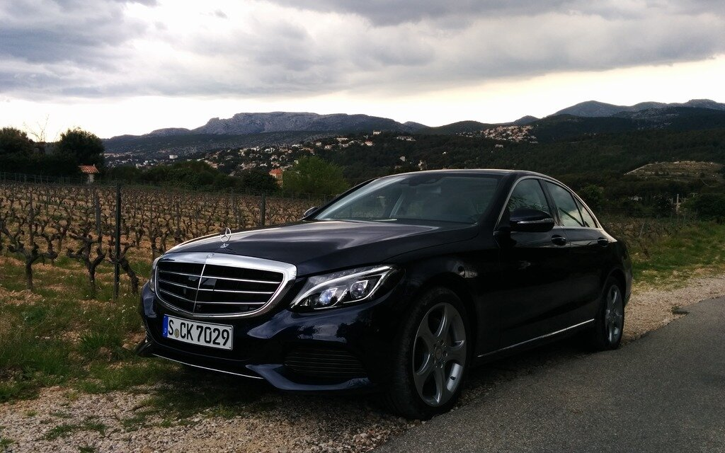 2015 mercedes benz c class stepping into the spotlight for Mercedes benz 640