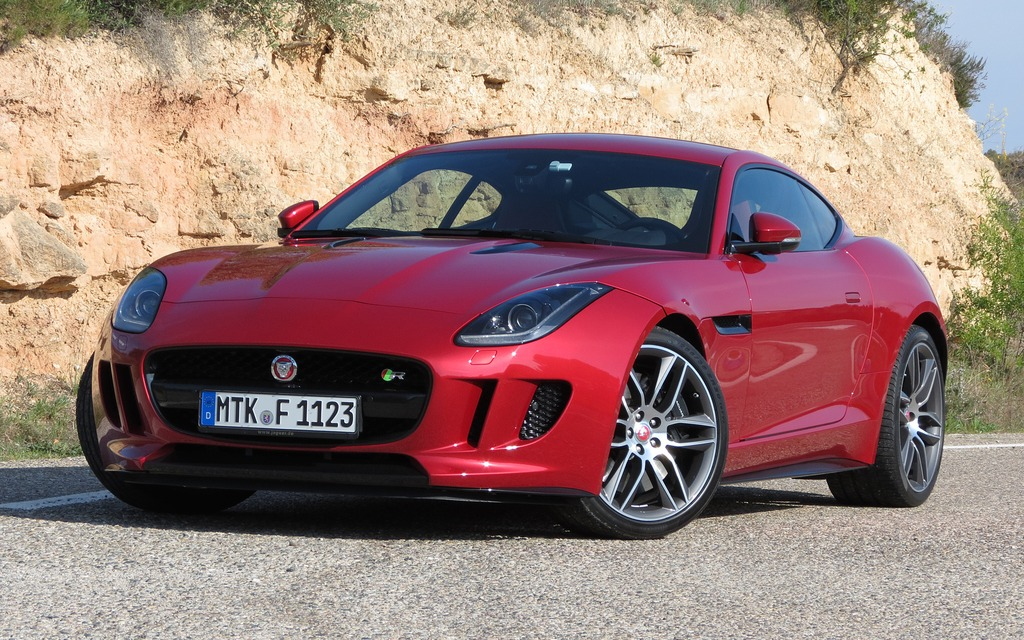Jaguar F Type Coupe >> 2015 Jaguar F Type Coupe A Regal Beast With Sharper Claws The Car