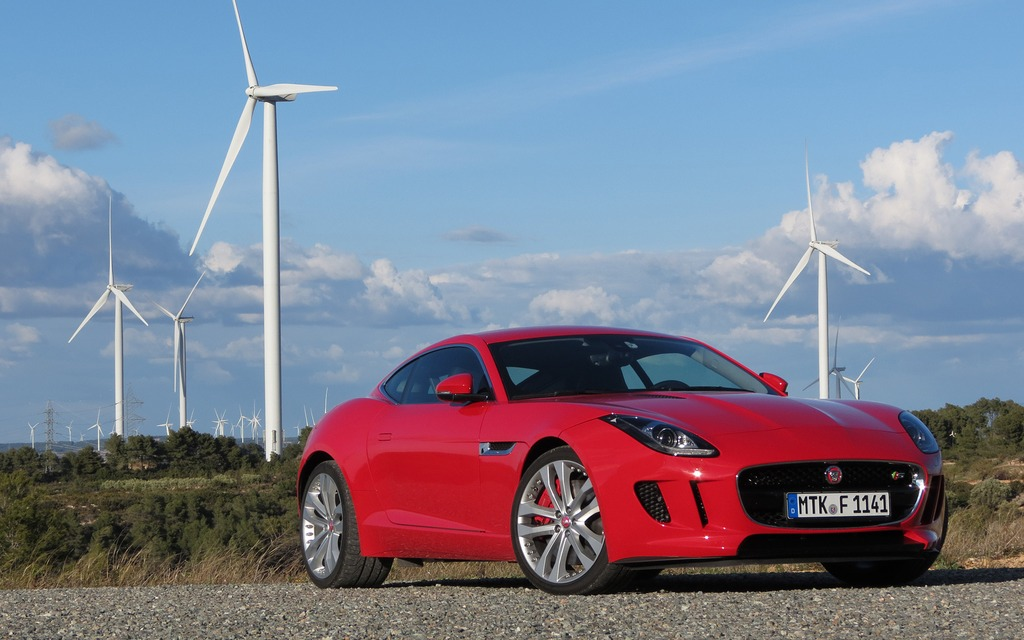2015 Jaguar F Type Coupe A Regal Beast With Sharper Claws