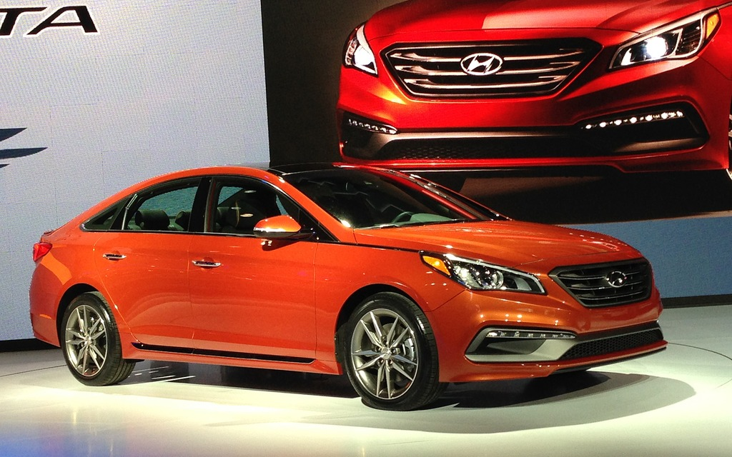2015 hyundai sonata things are getting serious the car guide. Black Bedroom Furniture Sets. Home Design Ideas