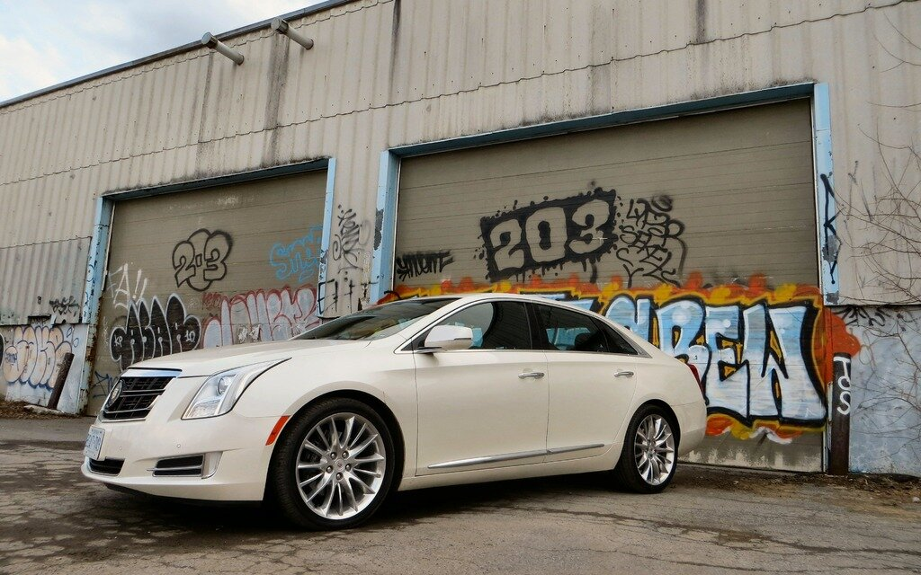 2014 cadillac xts vsport muscle in a velvet jacket the car guide. Black Bedroom Furniture Sets. Home Design Ideas
