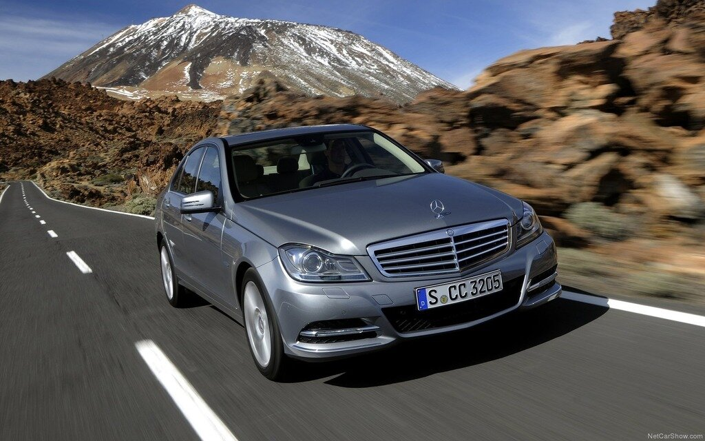 Mercedes benz recalls some c class models the car guide for Recall on mercedes benz c300