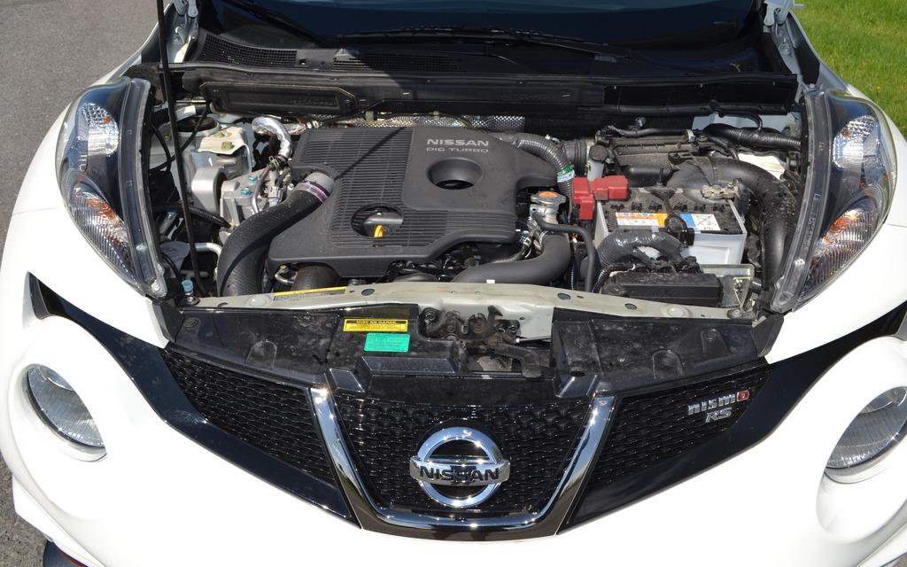 Dans le Nismo RS, le 1,6 litre turbocompressé développe 215 chevaux.