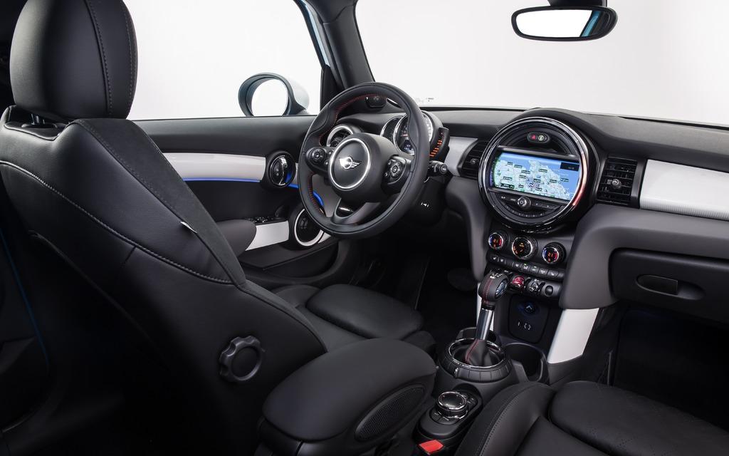 2015 MINI Cooper 5 Door Unveiled - 11/15