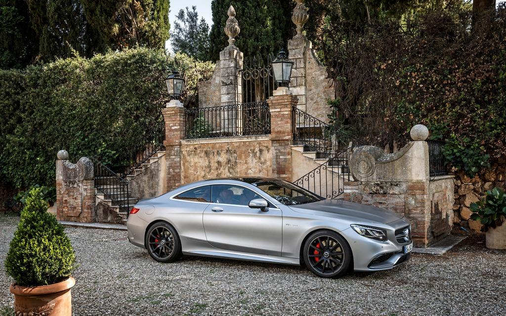https://i.gaw.to/photos/1/6/4/164833_2015_Mercedes-Benz_S_Class.jpg