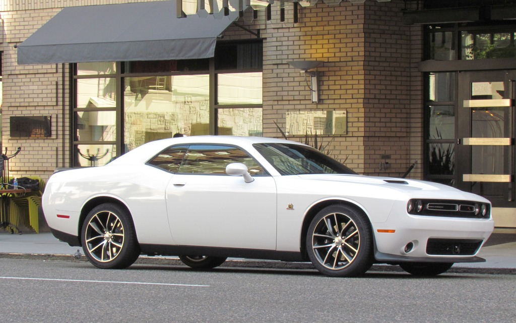2015 Dodge Challenger Hellcat - It's All About The Horsepower - 19/21