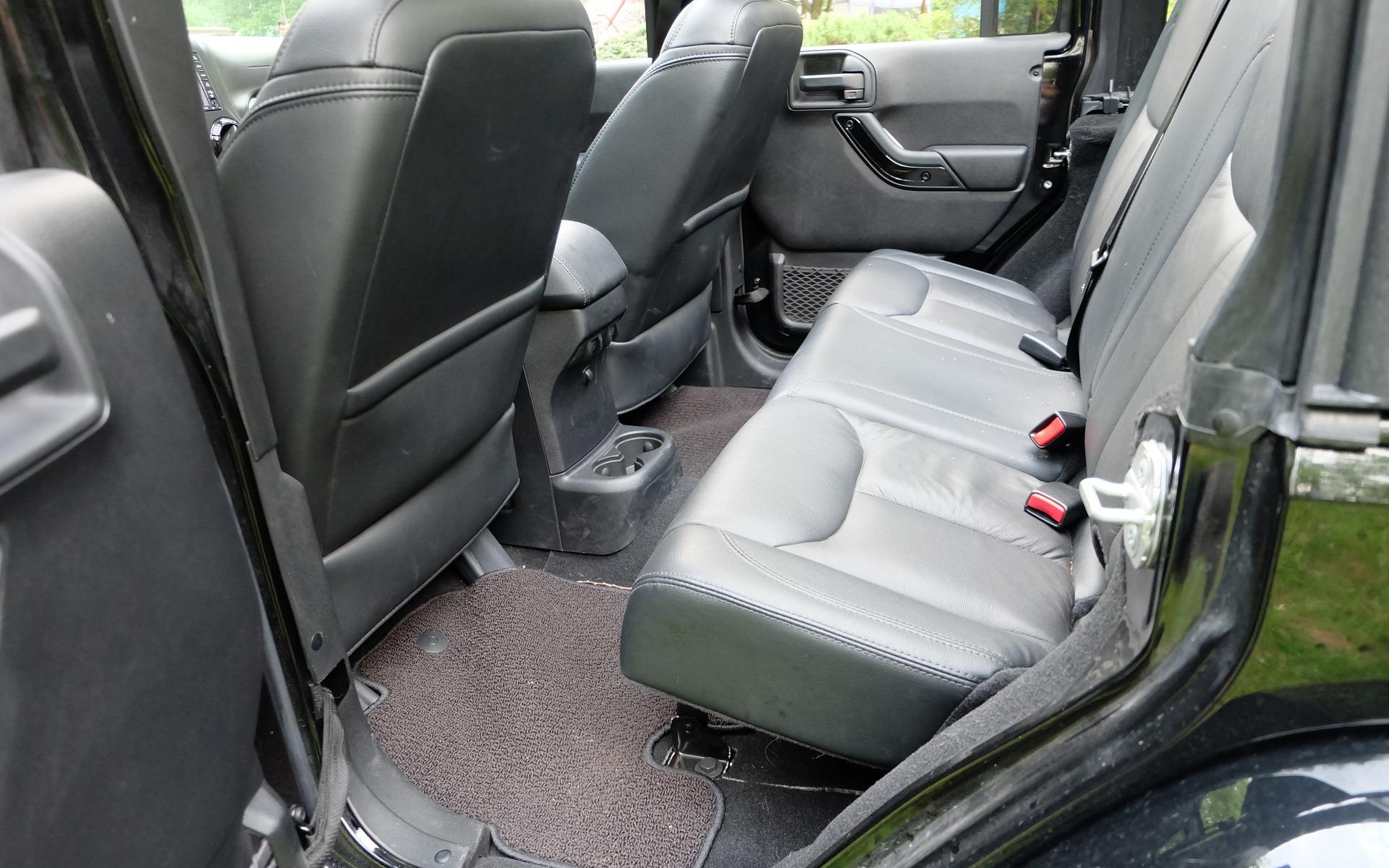 une histoire de jeep yj vs jk vs yj 5 21. Black Bedroom Furniture Sets. Home Design Ideas