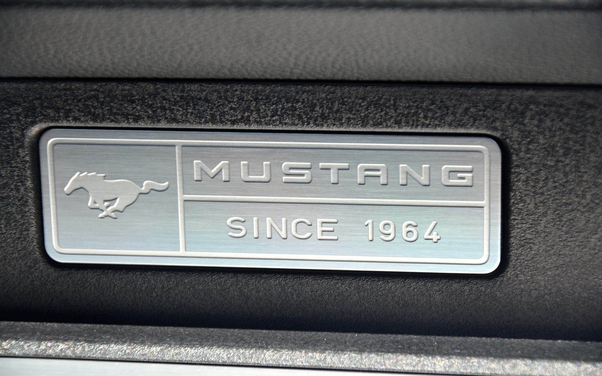 2015 Ford Mustang - A Brave New World - 21/30