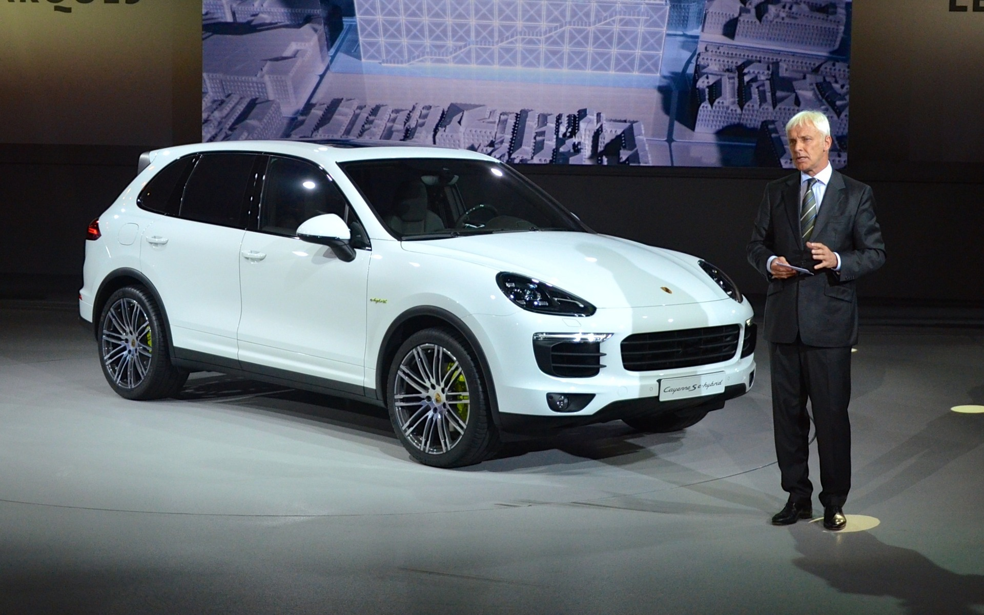 porsche cayenne s e-hybrid 2015: don't adjust your set - the car guide