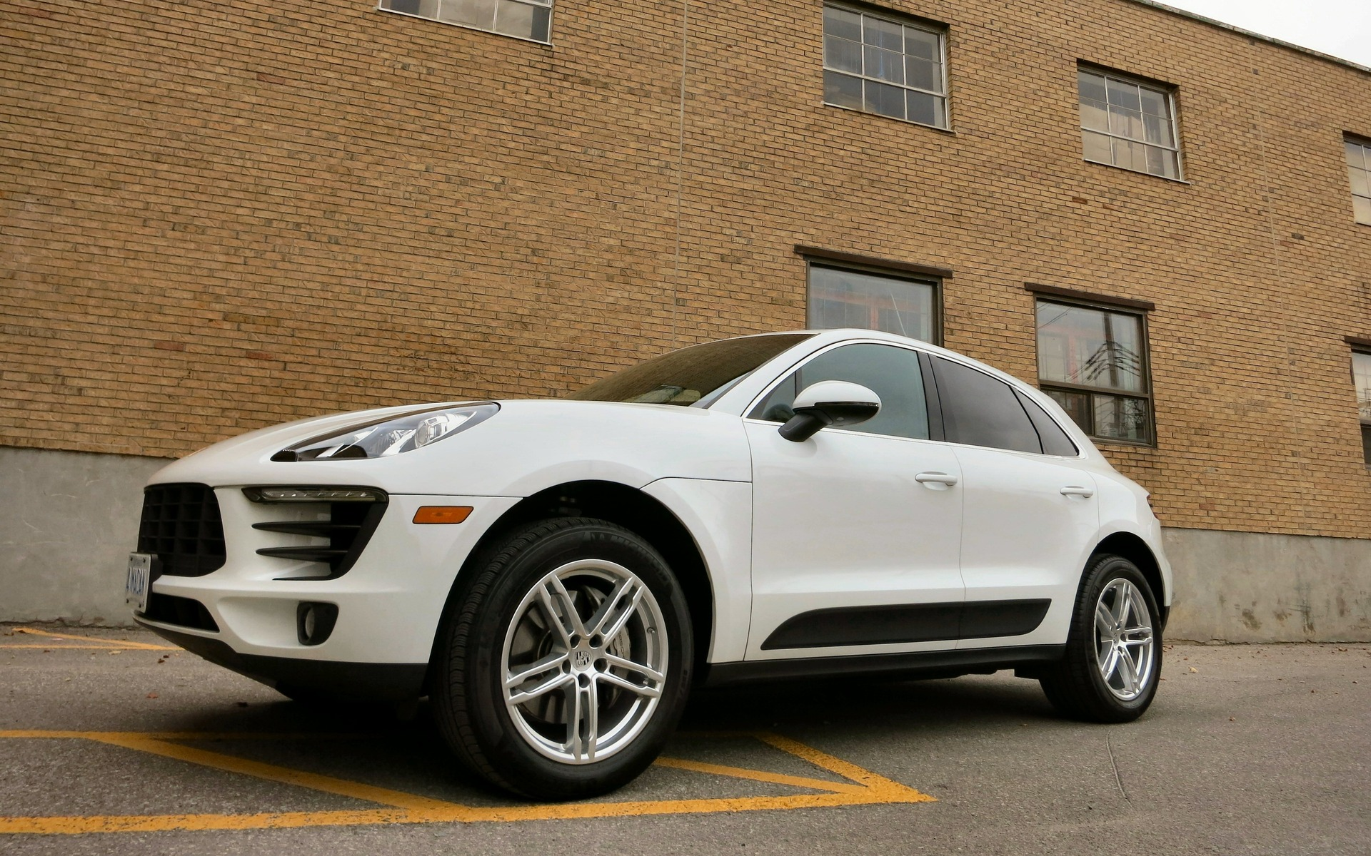 2015 Porsche Macan S The Suv For Drivers Who Hate Suvs 1 20