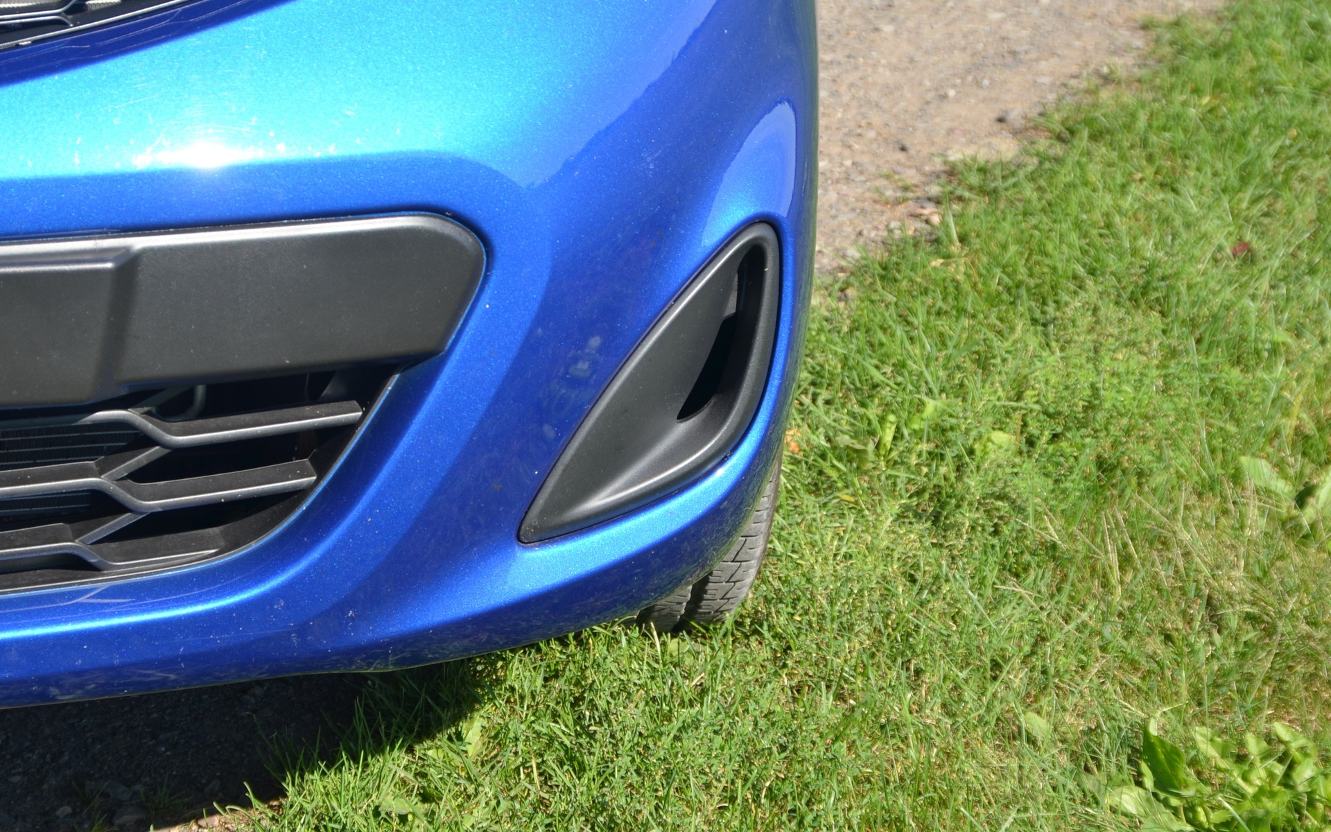 A real air intake, like you find on sports cars!
