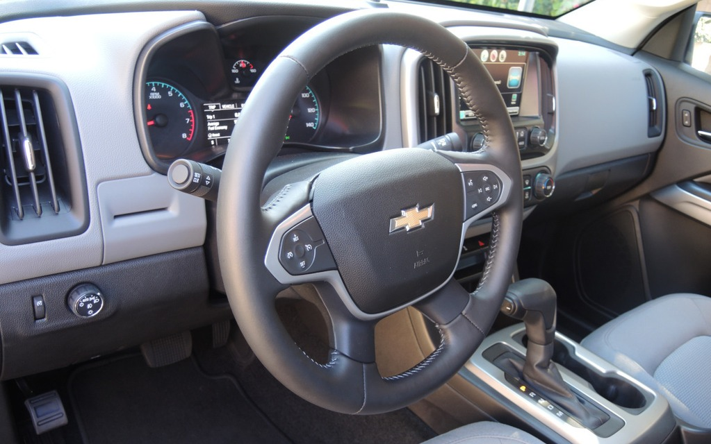 Chevrolet ou GMC, la planche de bord est identique.