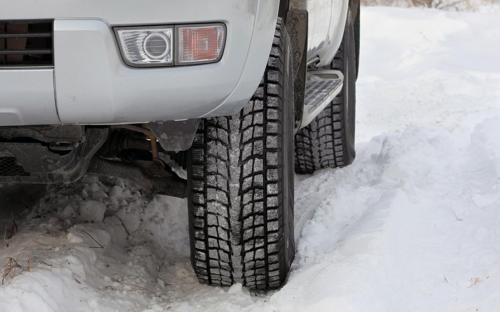 meilleurs pneus d 39 hiver pour vus et camionnettes guide auto. Black Bedroom Furniture Sets. Home Design Ideas