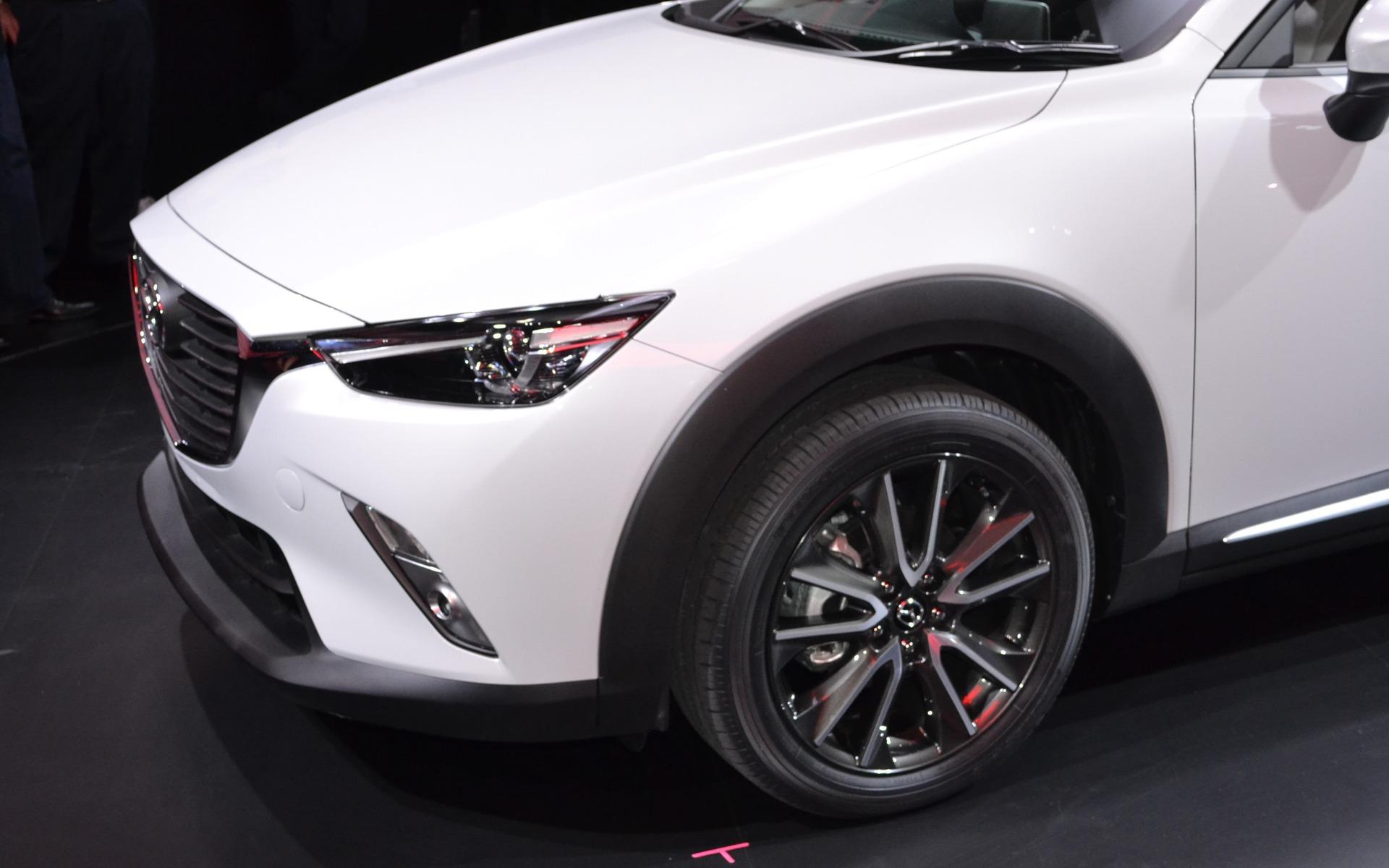 https://i.gaw.to/photos/1/7/7/177653_2016_Mazda_CX-3.jpg
