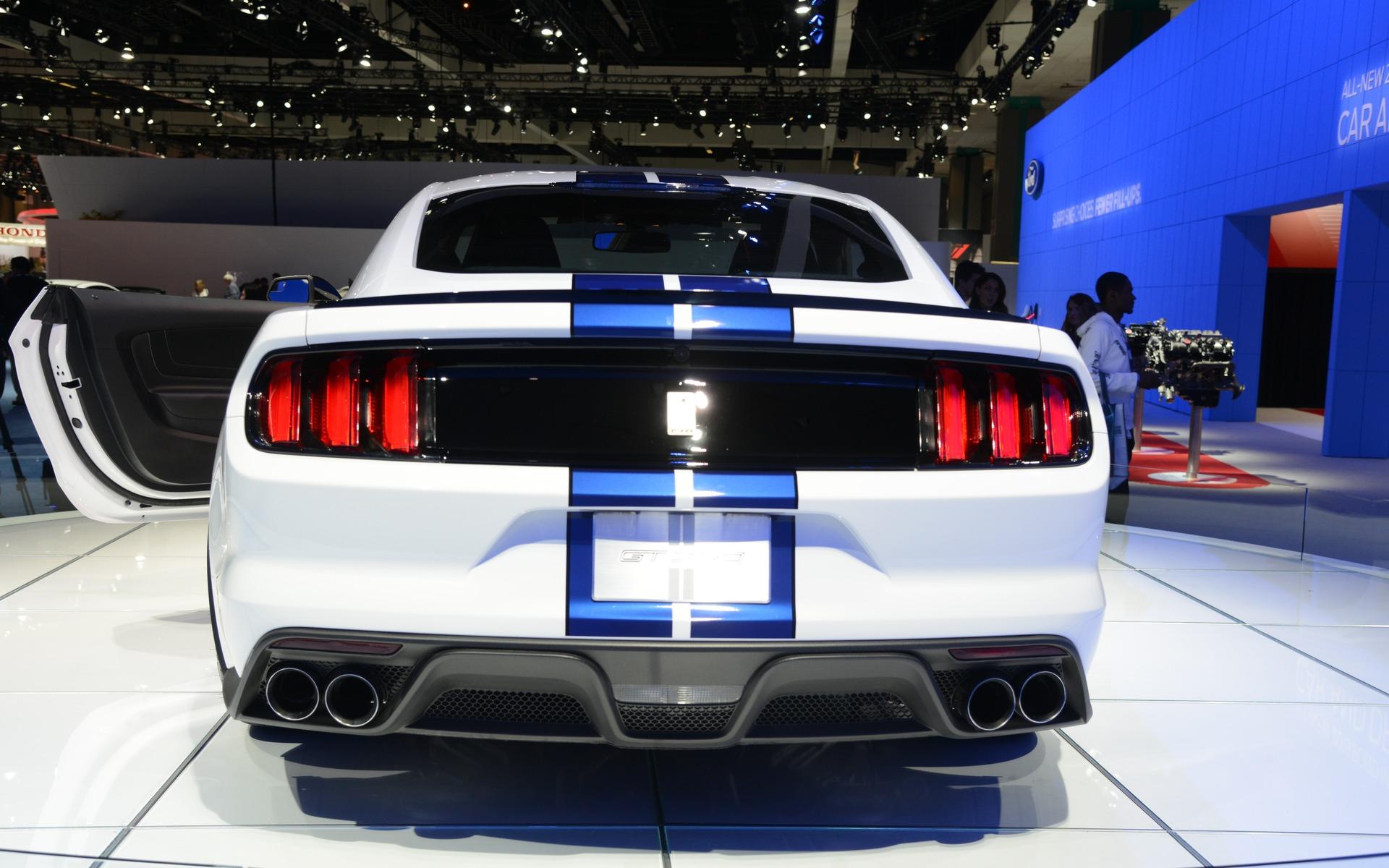 Shelby GT: 500 chevaux et quatre tuyaux d'échappement.
