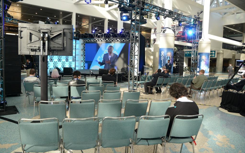 Beaucoup de sièges vides à l'Expo Connected Car.