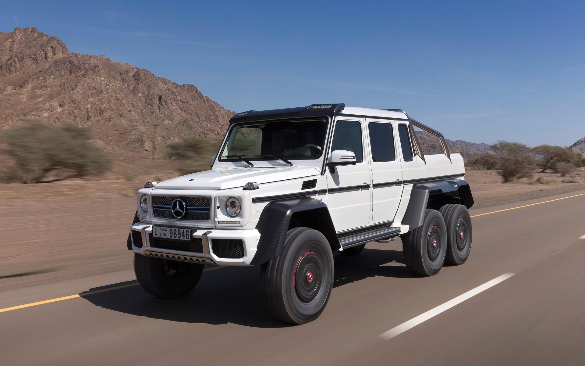 Mercedes-Benz G63 AMG 6x6. On va-tu aller le chercher, le sapin?