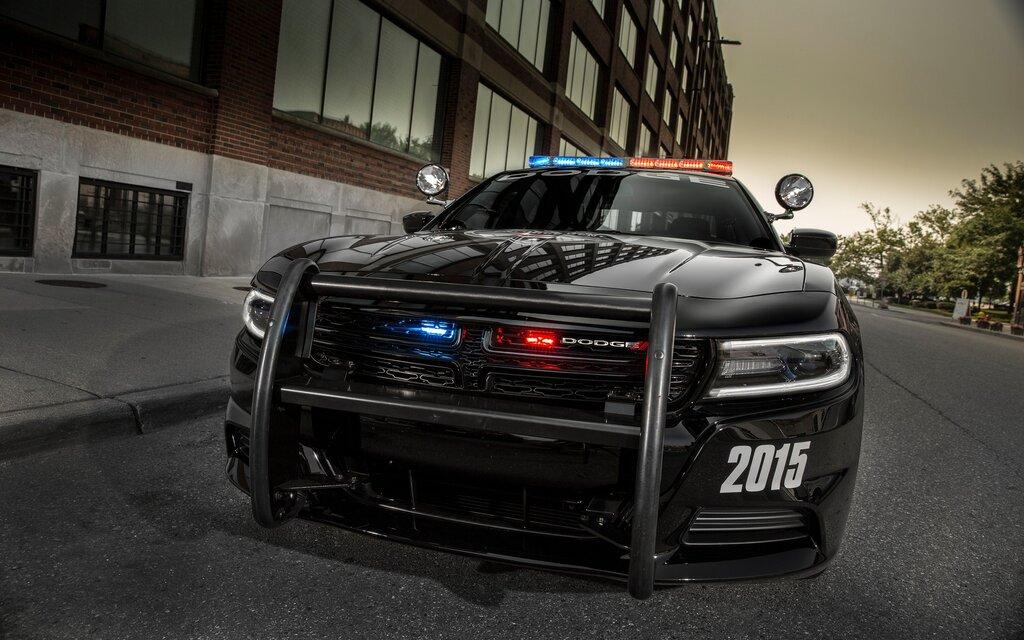 quel est le meilleur v hicule de police guide auto. Black Bedroom Furniture Sets. Home Design Ideas