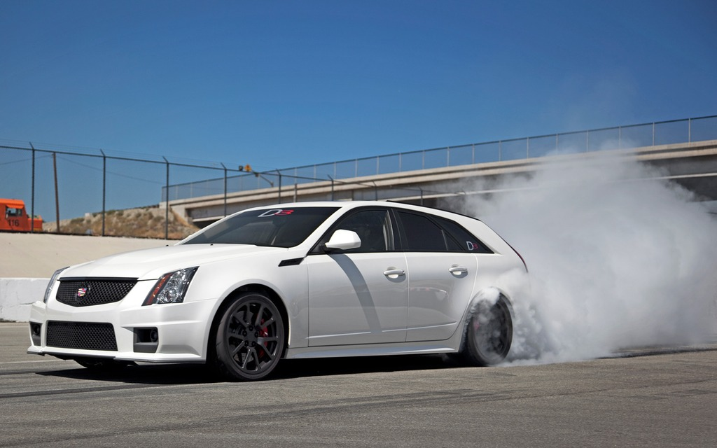 Cadillac CTS-V Wagon. Pour la route et pour la piste!