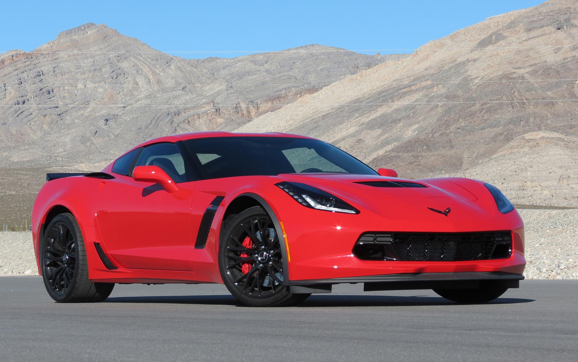 Corvette Z06 2015 en version régulière au circuit Spring Mountain